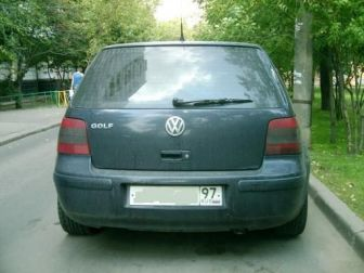 Volkswagen Golf 2,3 синий Москва 1998